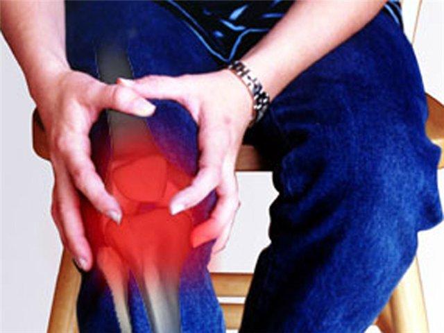 Сильные боли в суставах рук и ног