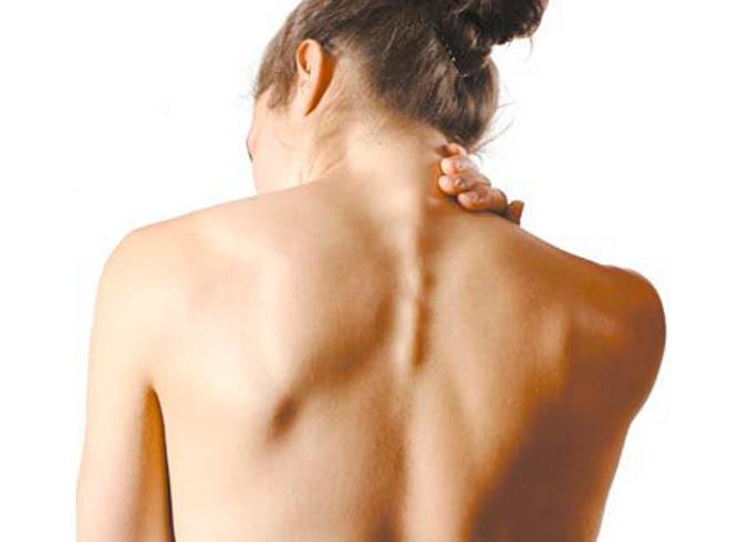 Боль в спине отдает в ногу в стопу