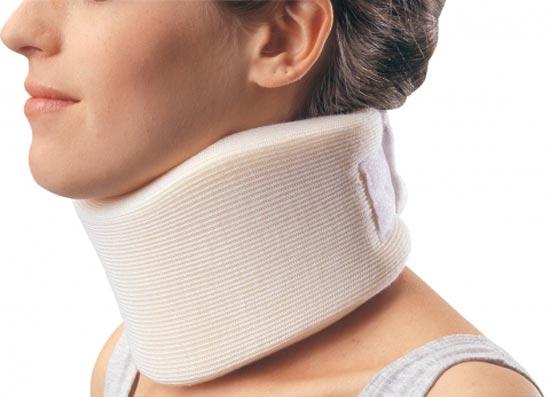 Ортопедический воротник для шеи при остеохондрозе: корсет, бандаж ...