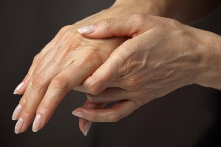 Болят суставы пальцев рук