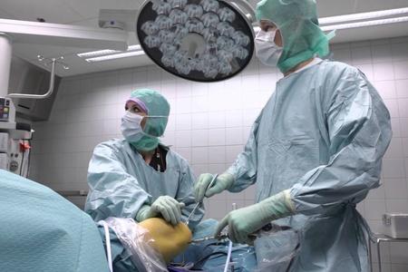 Разрыв крестообразной связки колена лечение без операции