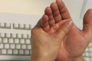 Как лечить полиартрит пальцев рук народными средствами?