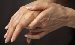 Причины и лечение болей в пальцах рук
