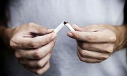 Ученые: отказ от курения снижает объем потребления алкоголя
