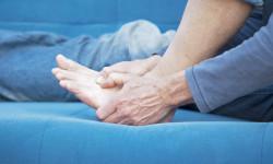 Лечение подагры при обострении народными средствами и медикаментами