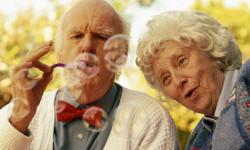 Исследование: женщины живут дольше, а мужчины здоровее