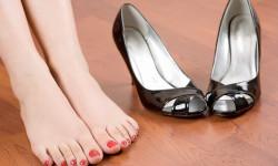 Какую обувь носить при плоскостопии?