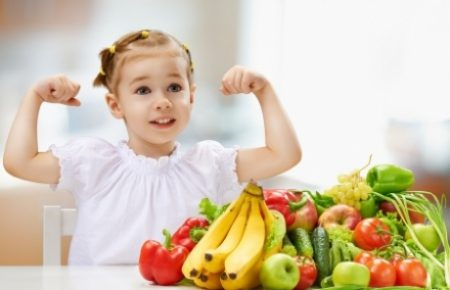 Девочка и овощи