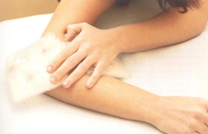 Народные средства при лечении локтевого сустава
