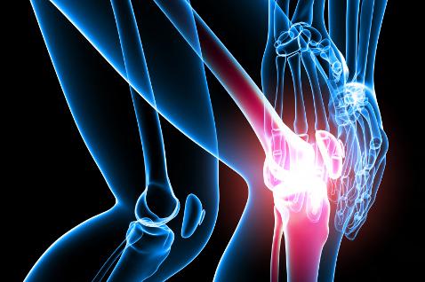 Болят колени: психосоматика болей в суставах