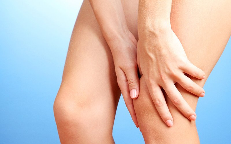 Крутящие боли коленного сустава
