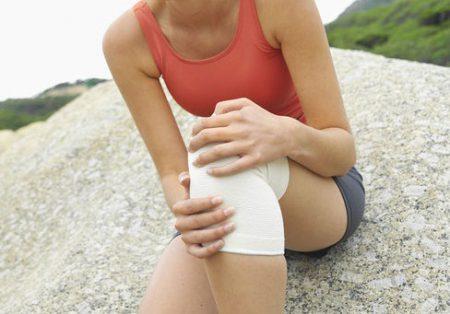 Отек коленного сустава возможные причины и лечение
