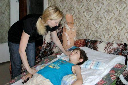 Ребенок с переломом позвоночника